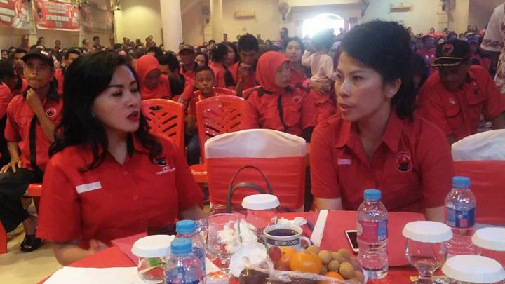 Karolin bersama calon walikota Singkawang Tjai Chu mie