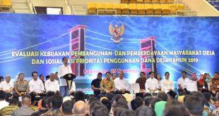 Presiden Jokowi memberikan sambutan Sosialisasi Prioritas Penggunaan Dana Desa Tahun 2019 di Palembang.