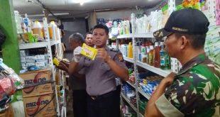 Petugas Gabungan menggelar Sidak di sejumlah pasar tradisional dan mini market di perbatasan.