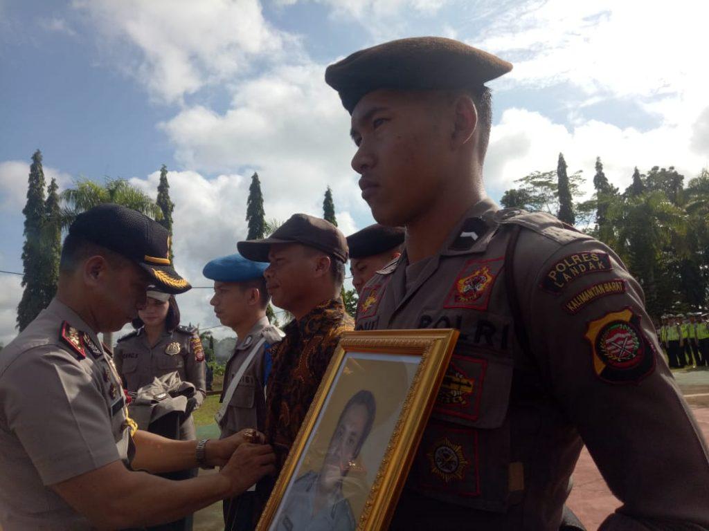 Tiga anggota polisi di jajaran Polres Landak, Kalbar diberhentikan tidak dengan hormat