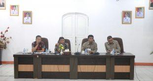 Staf Menkopolhukam Kabid Doktrin 1-V Haneg, Kolonel Arh Jonahis Payung SE,.M.tr saat memberikan pengarahan di depan SOPD dipendopo