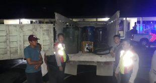 anggota polres beserta barang bukti dan tersangka