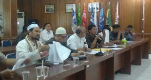 Tim Pemenangan Calon DPR-RI Yusid Toyib menyampaikan tuntutannya, di Aula KPU Provinsi Kalbar, Senin (23/09/2019).