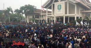 Ribuan mahasiswa duduki gedung DPRD Kalbar,