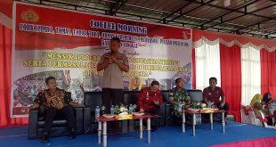 Foto--Kapolres menyampaikan materi tentang ancaman Kamtibmas di Indonesia dan Kabupaten Sanggau pada acara coffe morning di Tribun Promoter Mapolres Sanggau, Rabu (2/10)