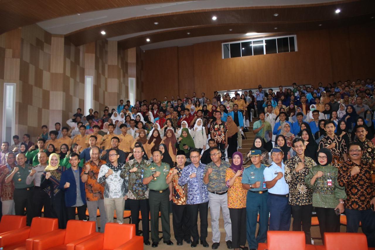Audiens Dialog Kebangsaan di Konferensi dan Teater Untan Pontianak Jumat (15/11/2019)