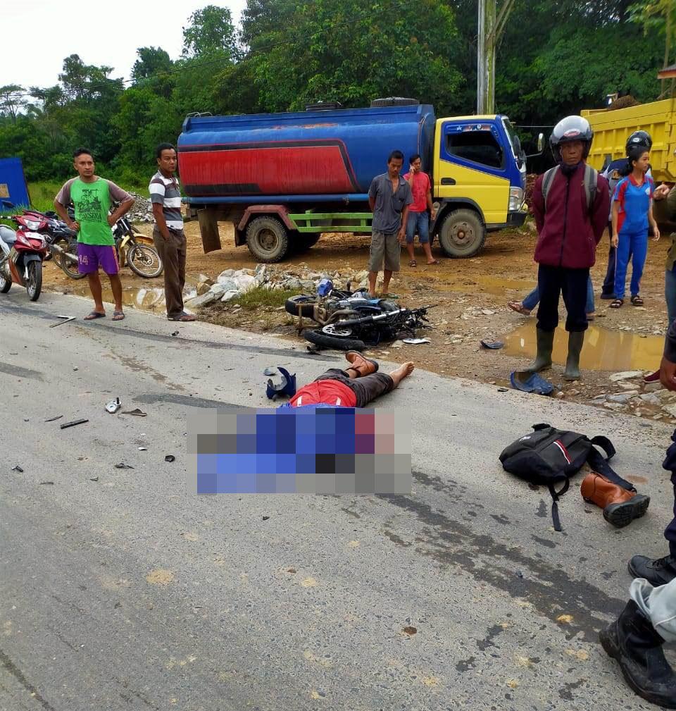 Foto--Kecelakaan yang terjadi di Jalan Sosok-Kembayan, Dusun Simpang Tanjung, Desa Binjai, Kecamatan Tayan Hulu, Kabupaten Sanggau, Selasa (10/12).---Ist