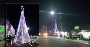 Keren, Pohon Natal di Pasar Menjalin Ini Terbuat Dari 2000 Botol Bekas