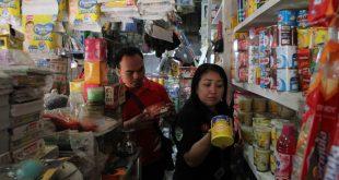 Monitoring Pasar, Tim Gabungan Pemkab Landak Temukan Barang Kadaluarsa