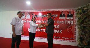 kunjugan Komisi II Dewan Perwakilan Rakyat Daerah (DPRD) Provinsi Kalimantan Barat di kantor Dinas Pertanian, Perikanan dan Ketahanan Pangan (DPPKP) Kabupaten Landak,