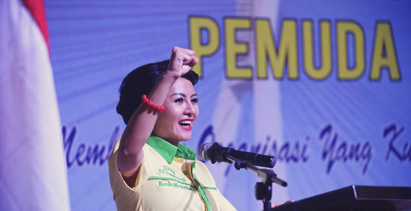 Ketua Umum Pemuda Katolik Indonesia, Karolin Margret Natasa