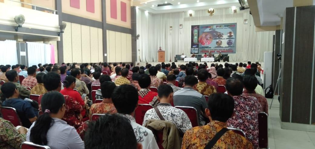Foto—Acara deklarasi damai Cakades sebagai wujud komitmen bersama menciptakan Pilkades yang aman dan damai, Kamis (12/3/2020) di gedung Balai Betomu---Kiram Akbar